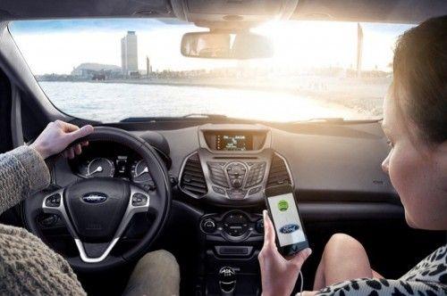 ¿Por qué el uso del móvil es peligroso para los automovilistas?