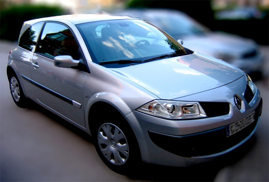 Consigue un curso de conducción eficiente completo en CEA