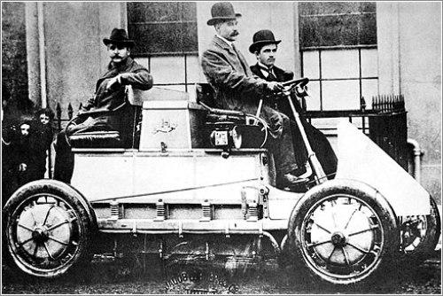 El primer vehículo híbrido comenzó a salir a la luz en 1914