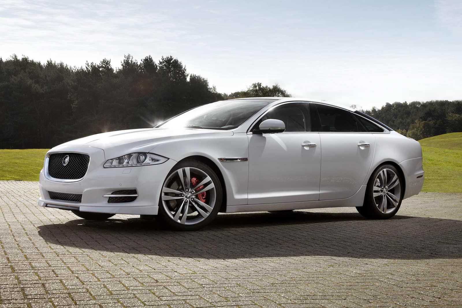 Conoce el Jaguar XJ, uno de los vehículos más punteros
