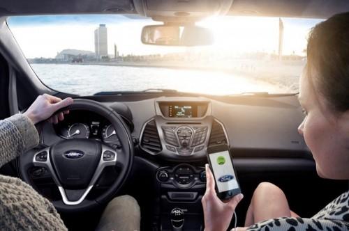 Por qué el uso del móvil es peligroso para los automovilistas