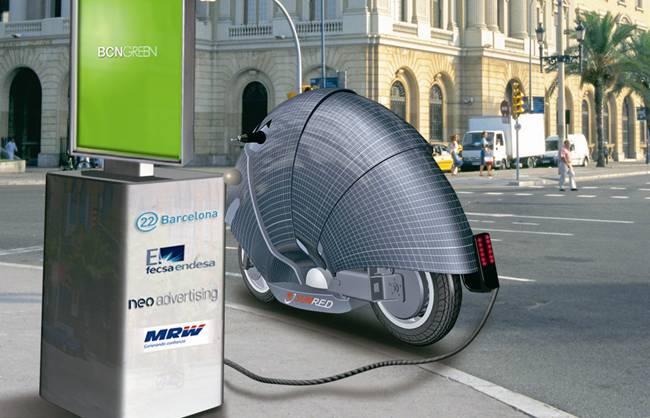 SunRed y su primera motocicleta que se carga con energía solar